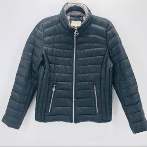 Laundry by Shelli Segal down puffer jacket. Size L